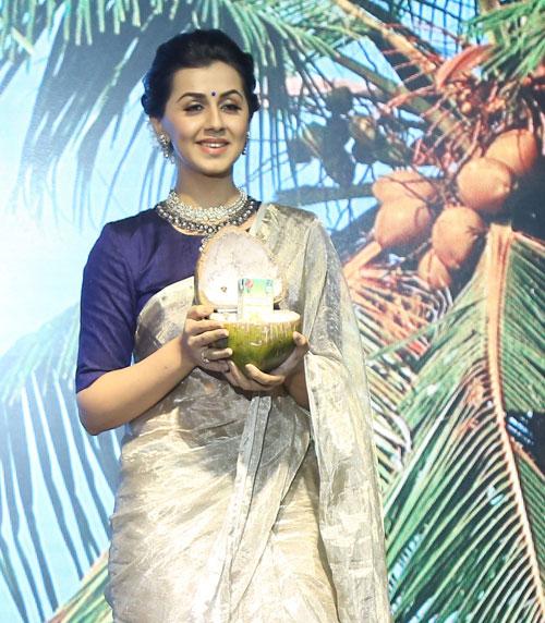 Nikki Galrani in Kalimark