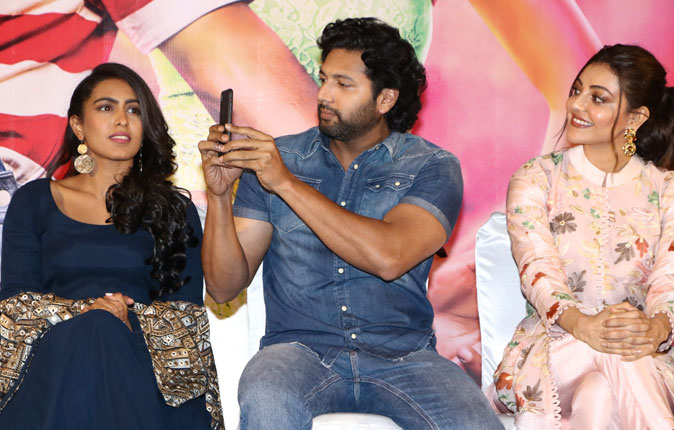 Comali Movie Press Meet Stills