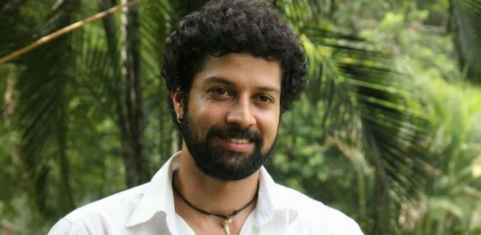 Santhosh play important characters in Mr.Chandramouli