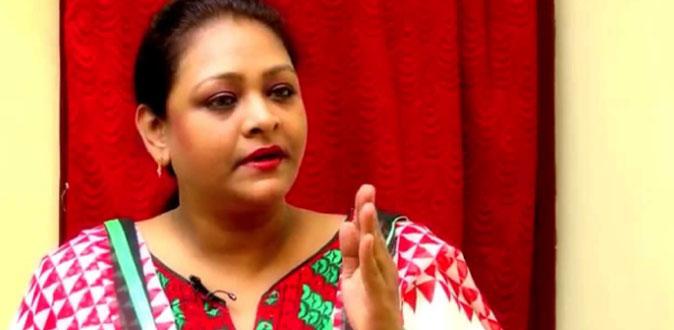 நடிகை ஷகிலா தற்கொலை முயற்சி! - கண்ணீர் வர வைக்கும் சோக கதை