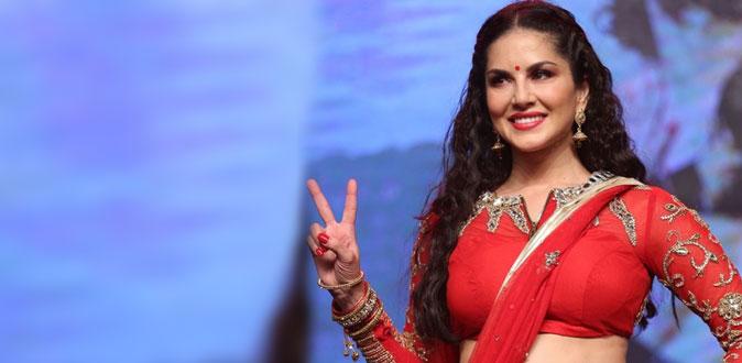 தமிழக அரசியல் களத்தில் ஆபாச நடிகை சன்னி லியோன்!
