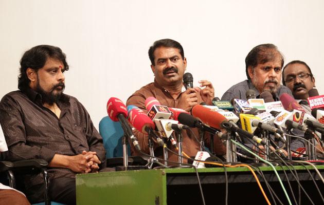 சிவாஜி சிலையை மெரினா கடற்கரையில் மீண்டும் நிறுவ வேண்டும் - திரையுலத்தினர் கோரிக்கை