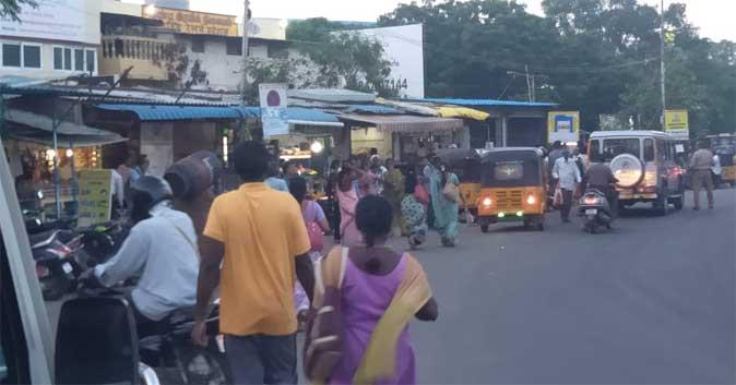 கிண்டி ரேஸ் கோர்ஸ் சாலை ஆக்கிரமிப்புகளை அகற்ற நடவடிக்கை! - நிம்மதியில் பொதுமக்கள்