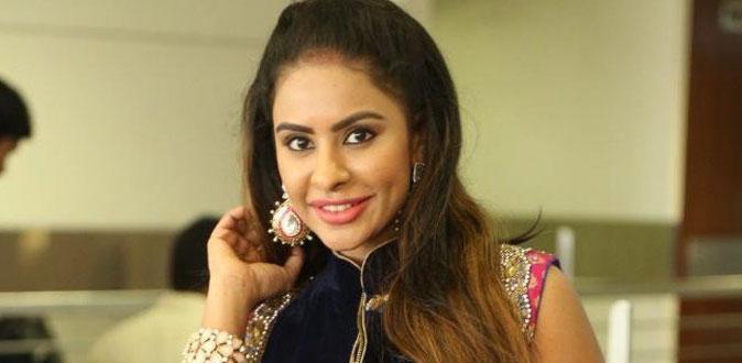 10 ம் நம்பர் வீட்டில் நடந்த லீலை! - பிரபல நடிகர் பற்றி ஸ்ரீ ரெட்டி