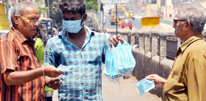 கொரோனாவால் ஏற்பட்ட வறுமை! - மாஸ்க் வியாபாரத்தில் ஈடுபடும் கோலிவுட் நடிகர்கள்