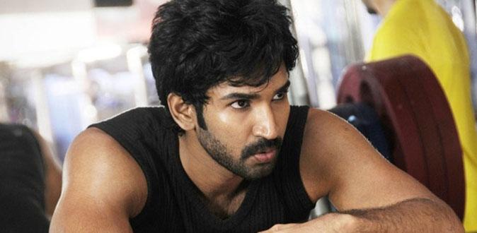 Actor Aadhi turns athlete