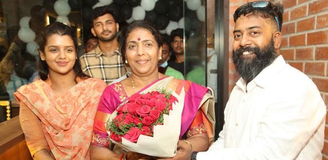 Gokula Indira Launched' MCKINGSTOWN' Men's Grooming Salon
