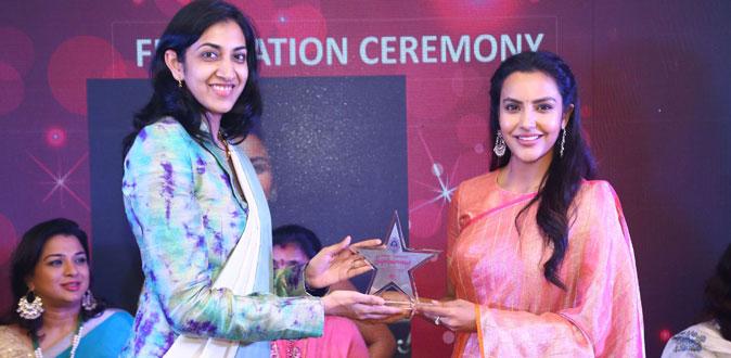 Priya Anand Grabs Dindigul Thalappakatti Super Women 2019 Awards