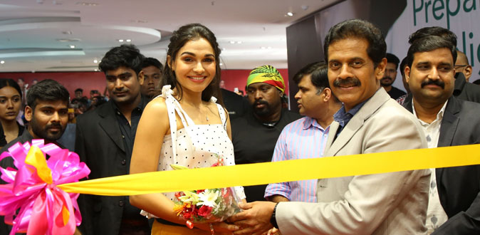 Andrea Jeremiah launches 6th Lifestyle store in Chennai at The Marina Mall