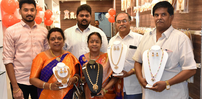 Kalyani Covering launches new showroom in Mylapore
