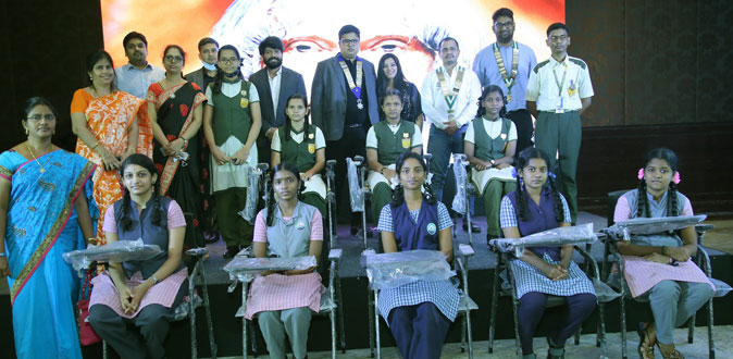 Madras Anchorage Round Table 100 & MAKEMYCHAIRS distributed 1000 chairs to Student