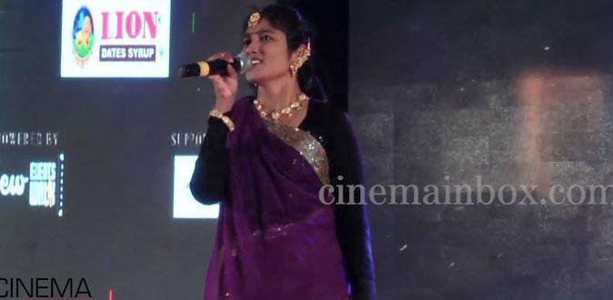 Julie shames! Oviya army teases Julie in Chennai Jeppiar Engineering College