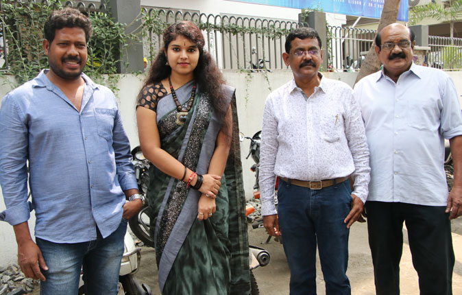 Helmet Awareness Bike Rally by 'Manusanaa Nee' Movie Team