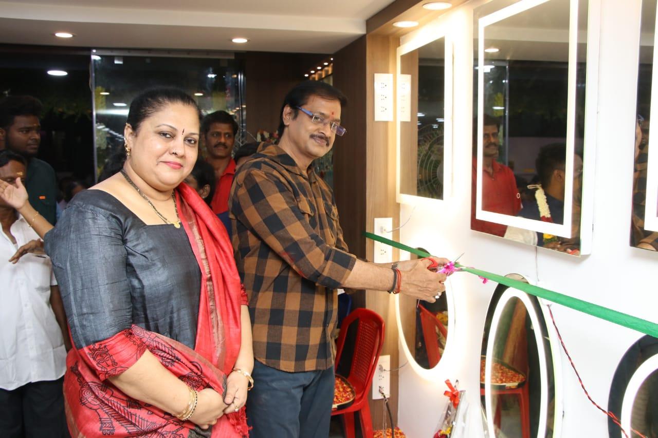 Actor Venu Aravind in Creative Glass Studio  Opening Event